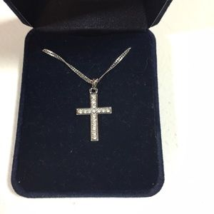 Jewelry - Cross Necklace with Simulated Diamonds (Q)